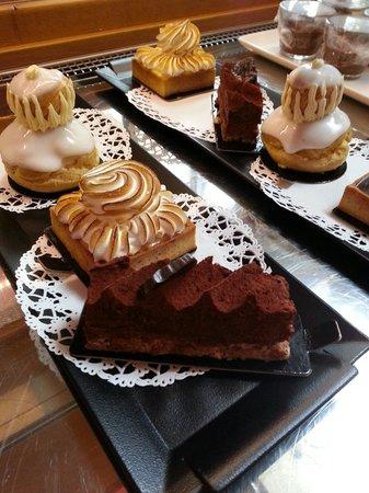 La Chicorée : Assortiment de pâtisserie