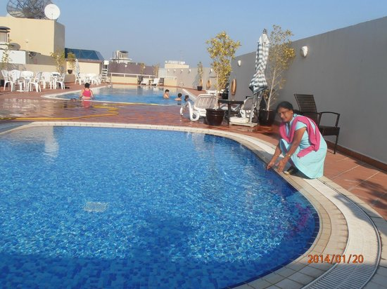 Fortune Grand Hotel Apartment: Swiming Pool area at Roof top