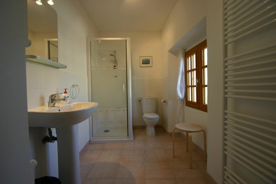 Mailhac, Prancis: Ensuite bathroom 4