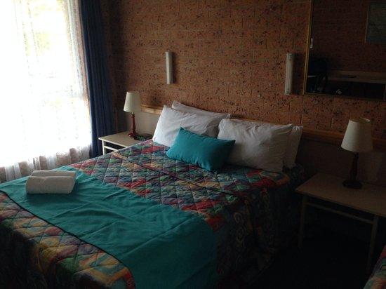 Huskisson Beach Motel: Room