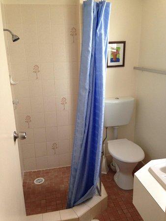 Huskisson Beach Motel: Bathroom