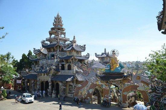 Pagode de Linh Phuoc : Пагода Линь Фуок