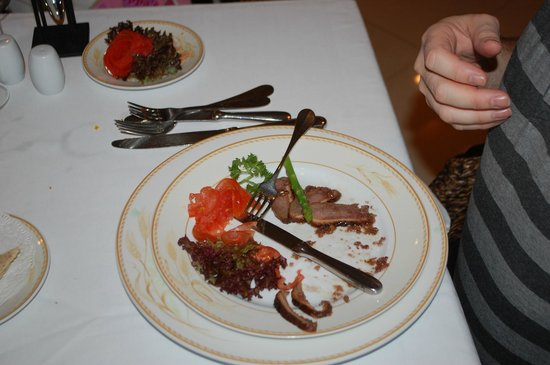 Top Of The Reef at Cape Panwa Hotel : Duck with walnuts and port