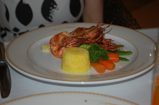 Top Of The Reef at Cape Panwa Hotel : Wifes dish with Fish
