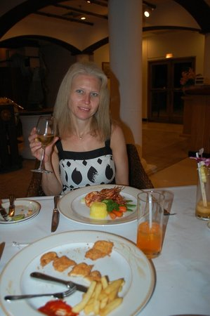 Top Of The Reef at Cape Panwa Hotel : Dressed up night out