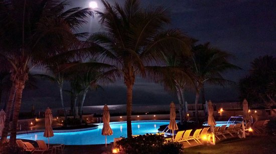 Eau Palm Beach Resort & Spa: Beautiful place to be in December