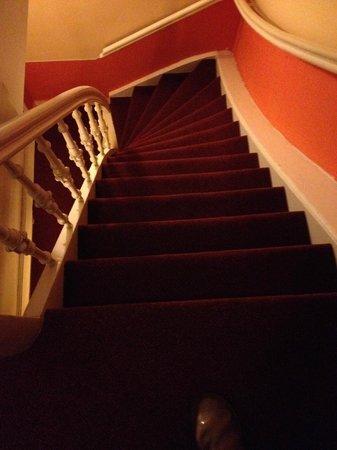 't Hotel : le temutissime scale viste dall'alto del terzo piano