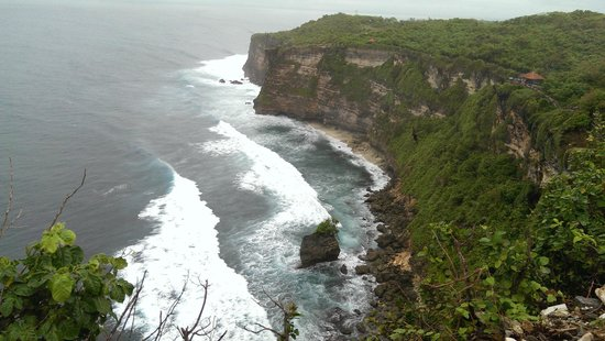 Uluwatu Temple: Nature's beauty