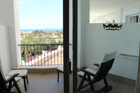 Hotel Riu Palace Maspalomas: Half width balcony openings in the corner rooms such as 3045