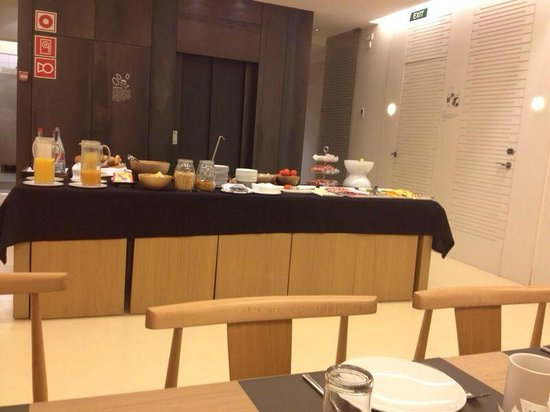 Hotel Denit Barcelona: Breakfast at Hotel Denit