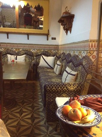 Maison Arabo Andalouse: Dining area
