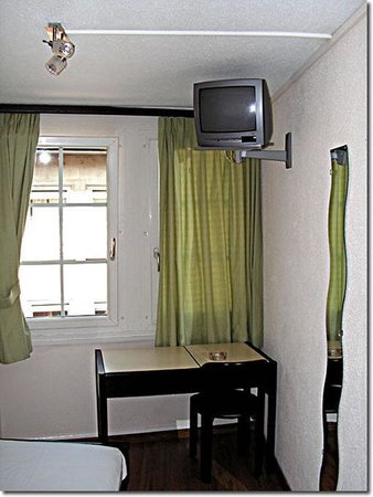 Hotel St-Gervais: Guest Room