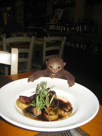 Kimel : Шляпки грибов, начиненные гусиной печенью, сливами и инжиром в винном соусе