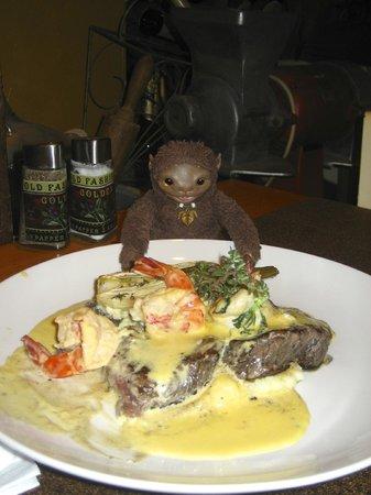 Kimel : Говяжье филе с креветками в шафрановом масле