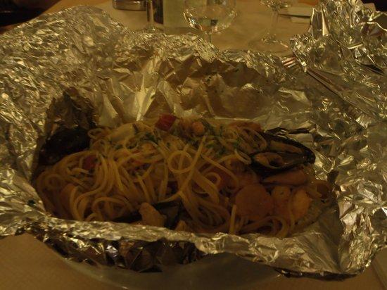 La Bodeguita: spaghetti al cartoccio