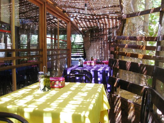 Las Delicias de Carmen: Outside seating Area