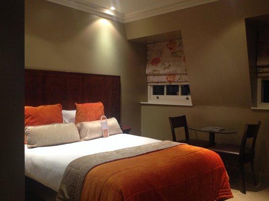 Radisson Blu Edwardian Grafton Hotel: Comfy bed