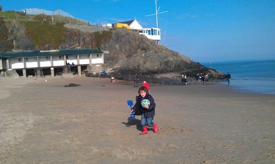 Tyn-Y-Mur Touring and Camping: Abersoch Main Beach