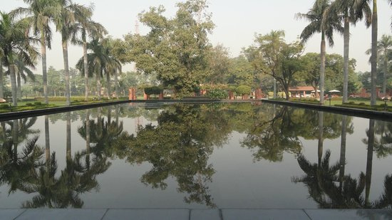 Jaypee Palace Hotel & Convention Centre Agra : Reflecting Pool