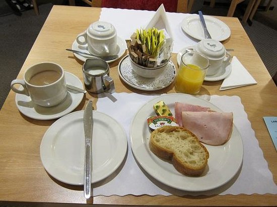 Lancaster Hall Hotel: 朝食