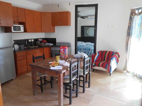 Apart Hotel Casaejido: Comedor-cocina