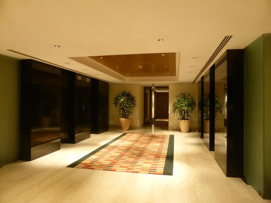 The Oberoi, Gurgaon : Elevator for Guest Rooms
