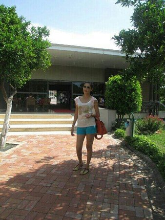 Batont Garden Resort Hotel: Около файе