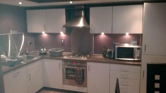 Hot-el-apartments Edinburgh Waterfront: Kitchen