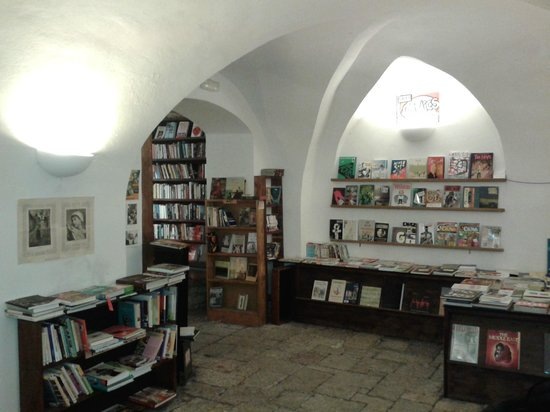 Shakespear and Sons Bookstore