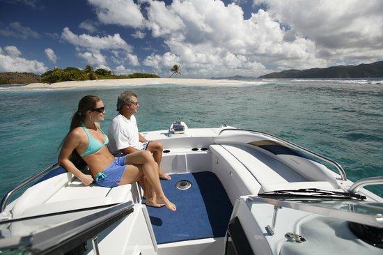 Tropic Power Boat Rentals: Plenty of sunning available on the foredeck