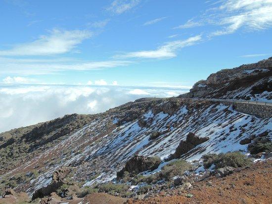 Roque de los Muchachos: Auf 1500 mtr. ist man schon über den Wolken und in der Sonne :-)