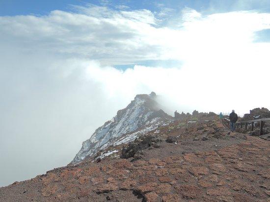 Roque de los Muchachos: Immer wieder nahmen Nebelschwaden die Sicht, sah aber toll aus