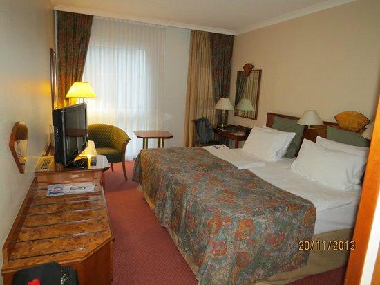 Hotel Crowne Plaza Berlin City Centre: Двухместный номер