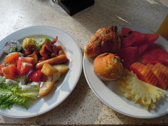 Pacific Club Resort: 朝食のビュッフェ