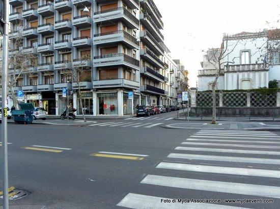 corso italia (catania) altezza via gabriello carnazza (a destra ... - Corso Cucina Catania