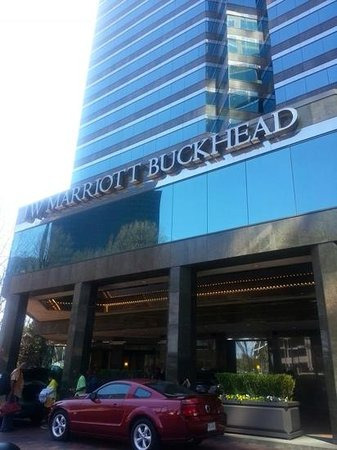 JW Marriott Atlanta Buckhead: entrance
