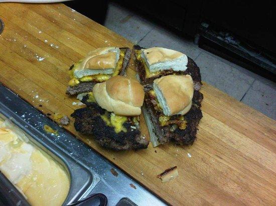 Barnstormers: 'Big' Barnstromers Burger