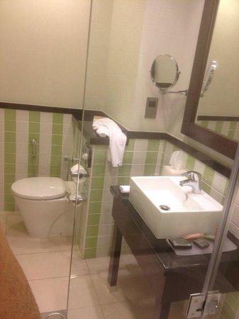 Movenpick Hotel Apartments Al Mamzar Dubai: proper size