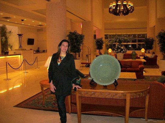 Enjoy Punta del Este : Coração do hotel, recepção, entrada para restaurante e cassino