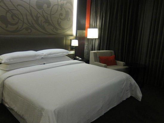 Four Points By Sheraton Bangkok, Sukhumvit 15: Comfortable pillows
