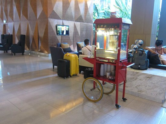 Four Points By Sheraton Bangkok, Sukhumvit 15: Free popcorn