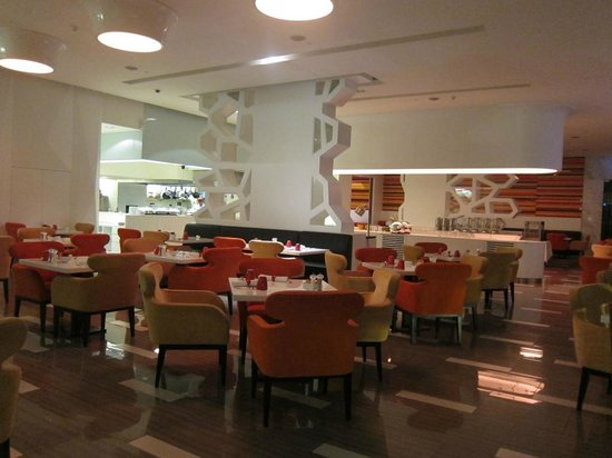 Four Points By Sheraton Bangkok, Sukhumvit 15: Buffet breakfast