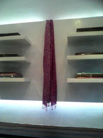 Ruby Thursday Boutique: Cahsmere and pashminas