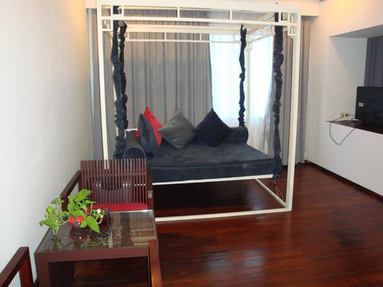 Memoire d' Angkor Boutique Hotel : swinging sofa