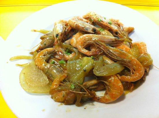 La Taberna de la Ronda: A pre-cooked shrimp tapas