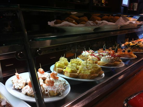 La Taberna de la Ronda: Some tapas displayed for a quick bite.