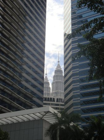 DoubleTree by Hilton Kuala Lumpur : Petrona's Tower view from the Hotel