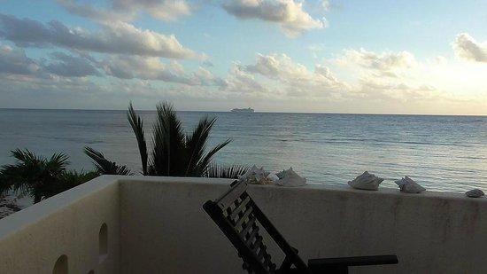 Balamku Inn on the Beach: Morning view from balcony