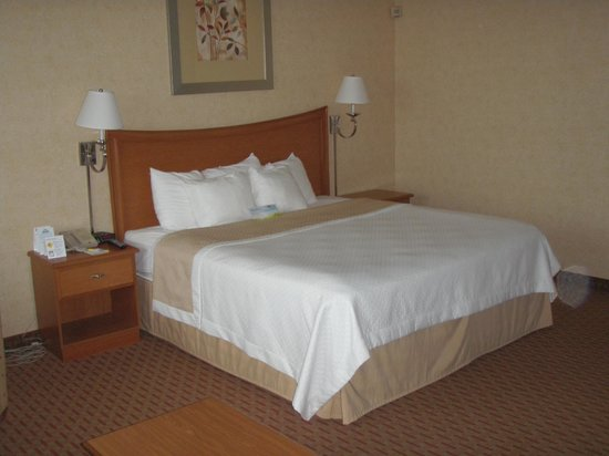Days Inn Bangor Airport : Room Jr Suite