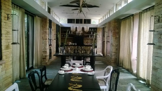 Pashan Garh: The Dining Room Pashangarh - Nice!